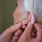 Voorkom schade bij je oren doe de gratis online hoortest voor een gehoorapparaat